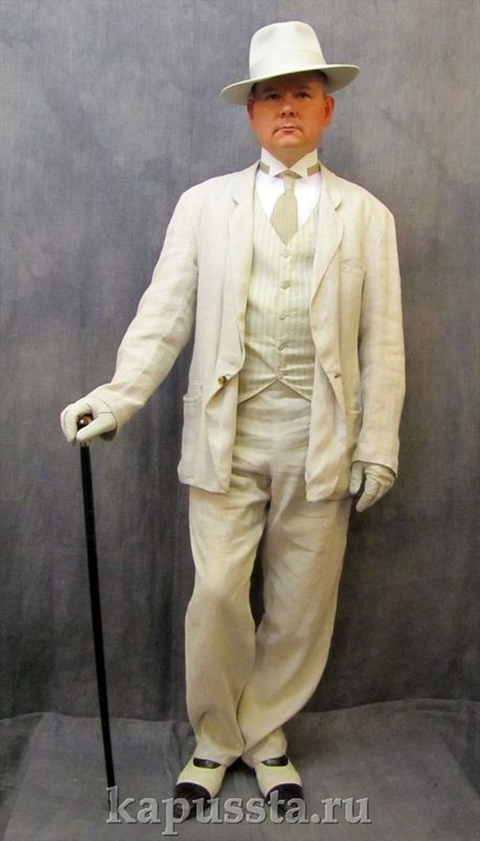 Costume triple linen with white hat